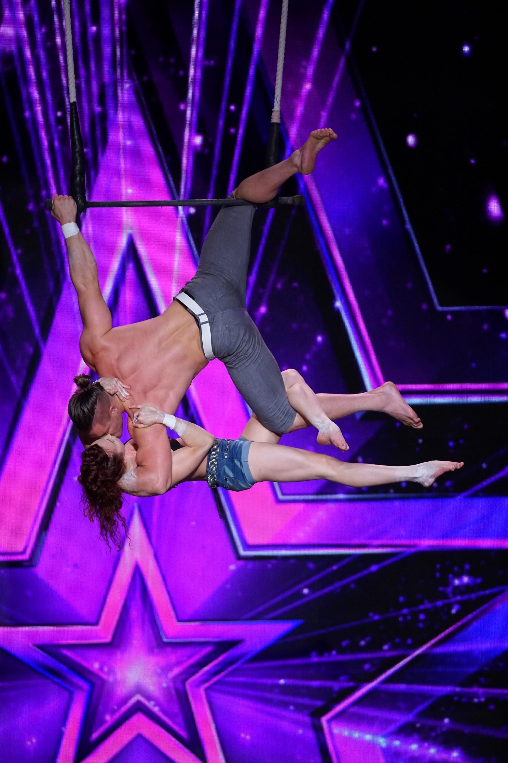 Das Supertalent 2016 Folge 6 - Mary und Tyce von Transcend