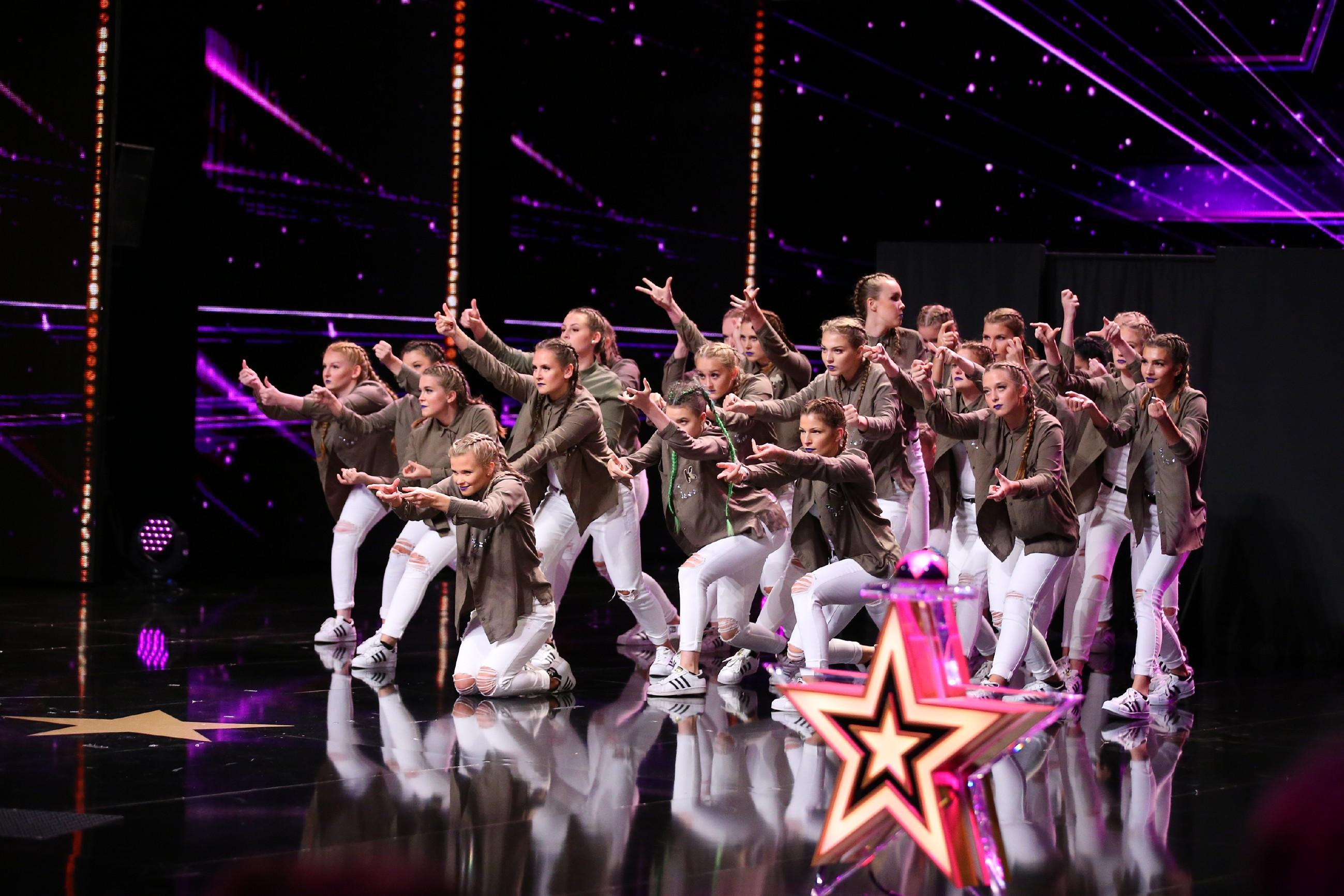 Das Supertalent 2016 Folge 6 - Kim Michelle Striepens und die IncreDible Crew