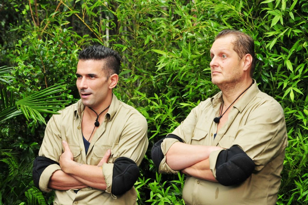 """Die verbliebenen zehn Camper haben entscheiden, dass Marc Terenzi (l.) und Jens Büchner zur Dschungelprüfung """"Sternenfänger"""" antreten müssen."""