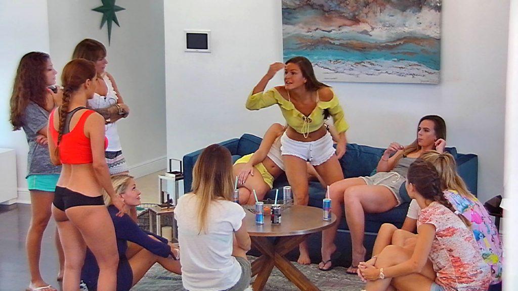 Zickenkrieg in der Ladies-Villa.