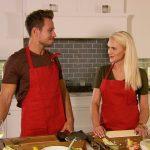 Der Bachelor 2017 - Sebastian und Erika beim Kochen