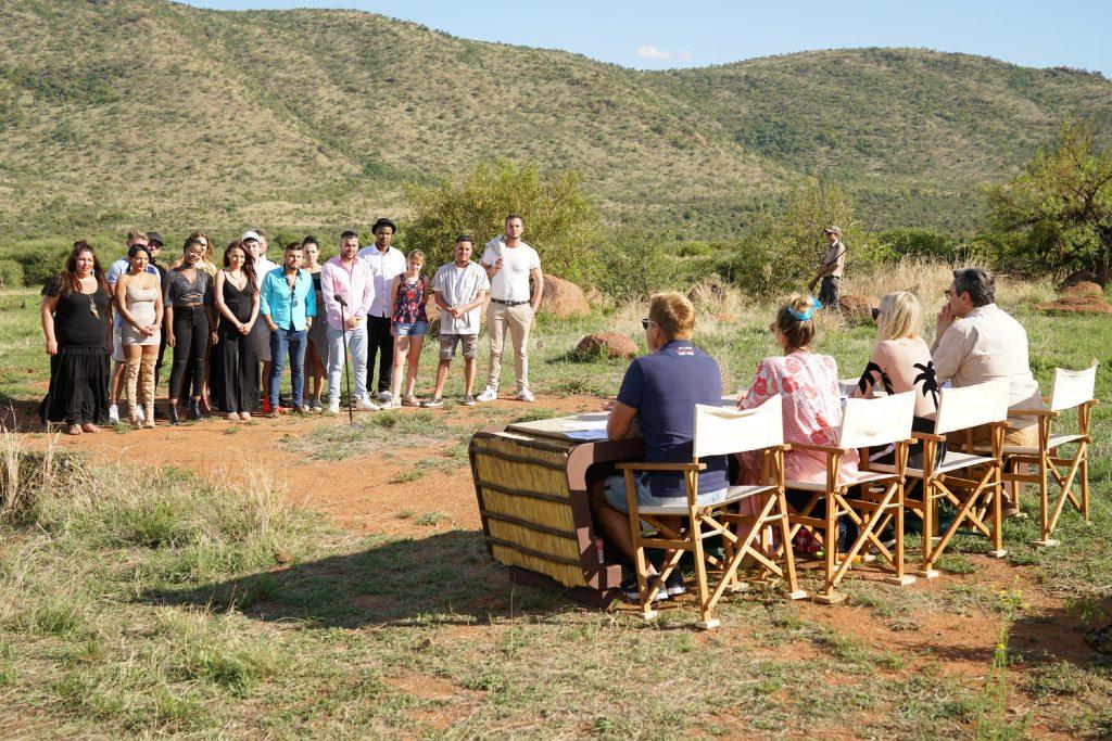 Die Jury verkündet wer am zweiten Set im Nationalpark ausscheiden muss.
