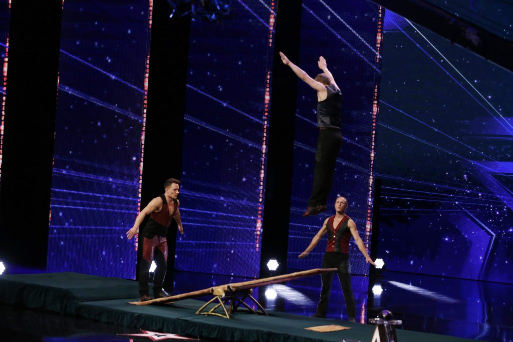 Patrick Schuhmann, Viachaslau Hahunou und Paul Elias Larsson - Schleuderbrett-Akrobaten aus Berlin.