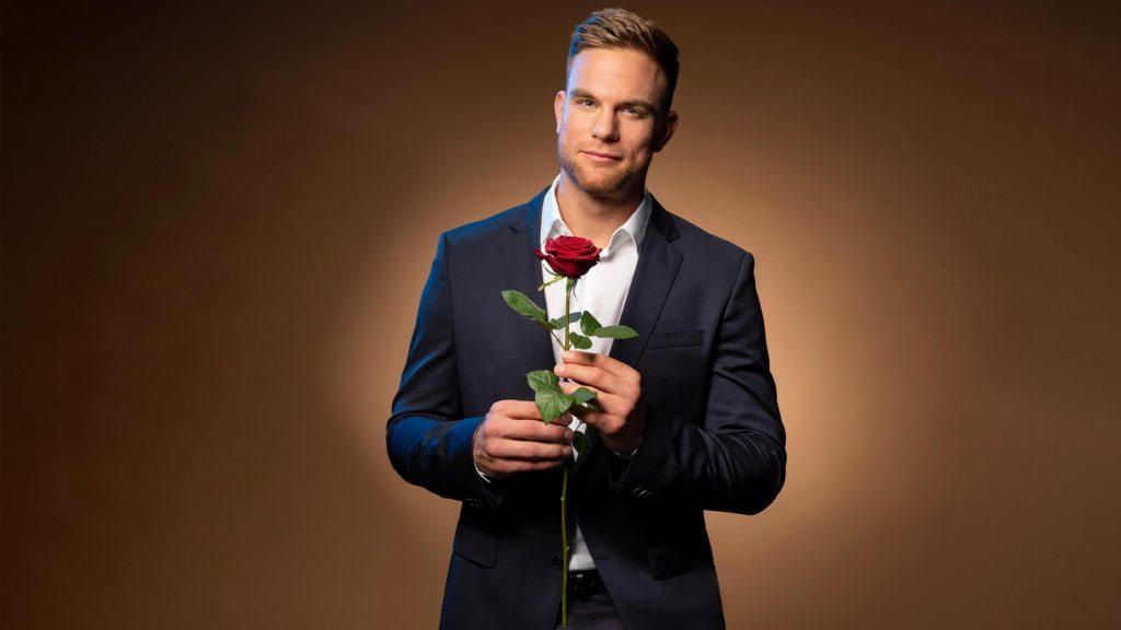 Schlagkräftig, gutaussehend und erfolgreich: Sebastian ist der neue Bachelor 2020.
