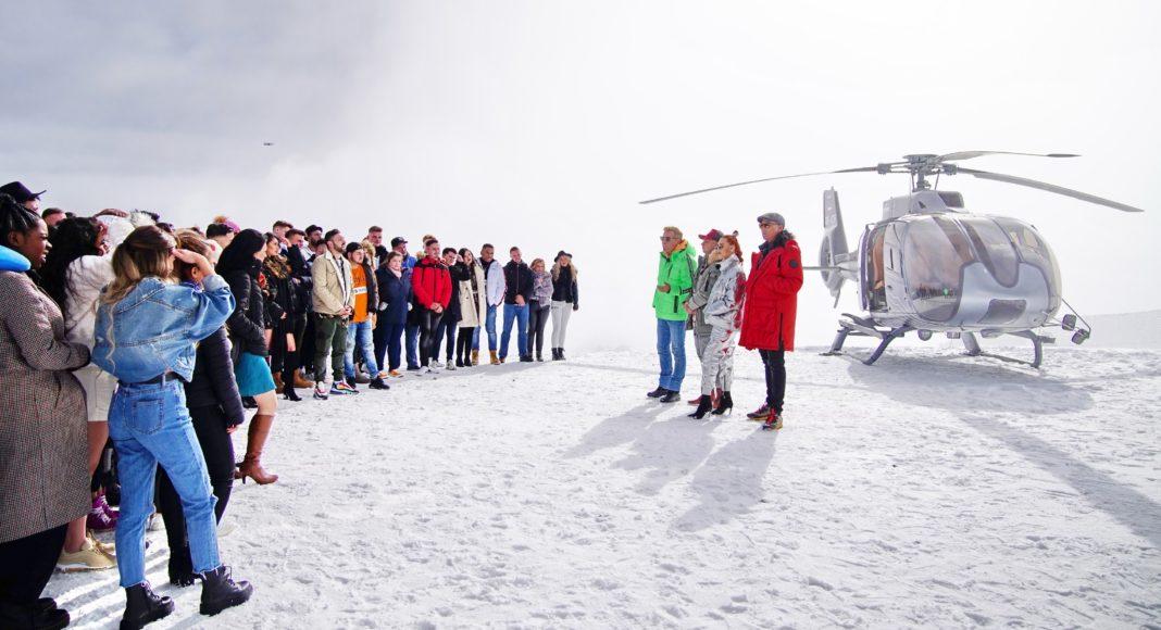 Die Jury (v.l.) Dieter Bohlen, Pietro Lombardi, Oana Nechiti und Xavier Naidoo begrüsst die Kandidaten zum Recall in Sölden.
