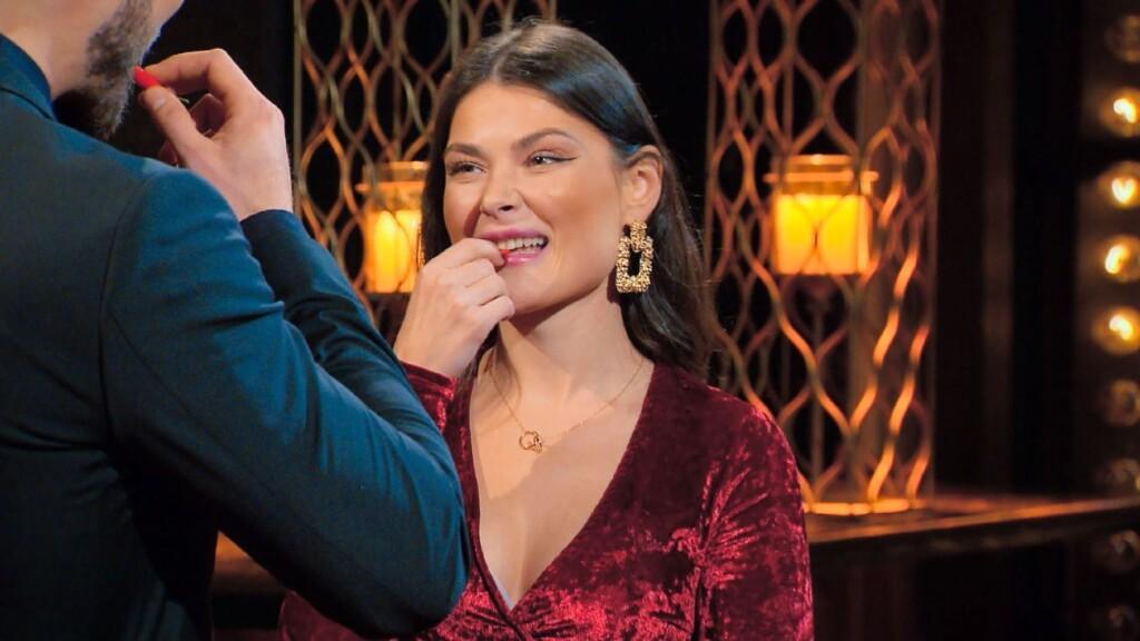 Der Bachelor 2021 Folge 1 - Niko und Stefanie Desiree