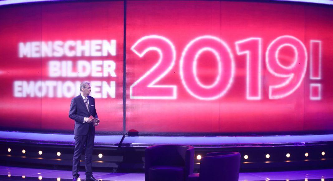Moderator Günther Jauch präsentiert den RTL-Jahresrückblick