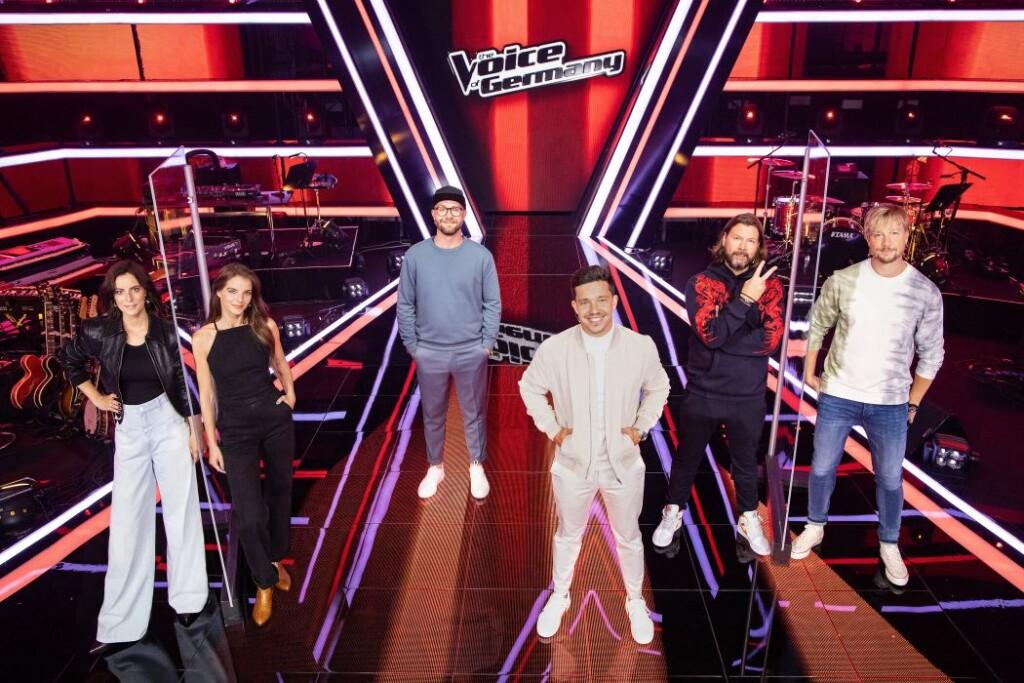 """Stefanie Kloß, Yvonne Catterfeld, Nico Santos, Samu Haber, Rea Garvey und Mark Forster suchen """"The Voice of Germany""""."""