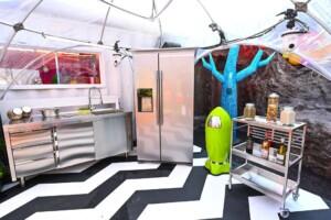 Promi Big Brother 2021 - Die Küchenkapsel des Big Planet