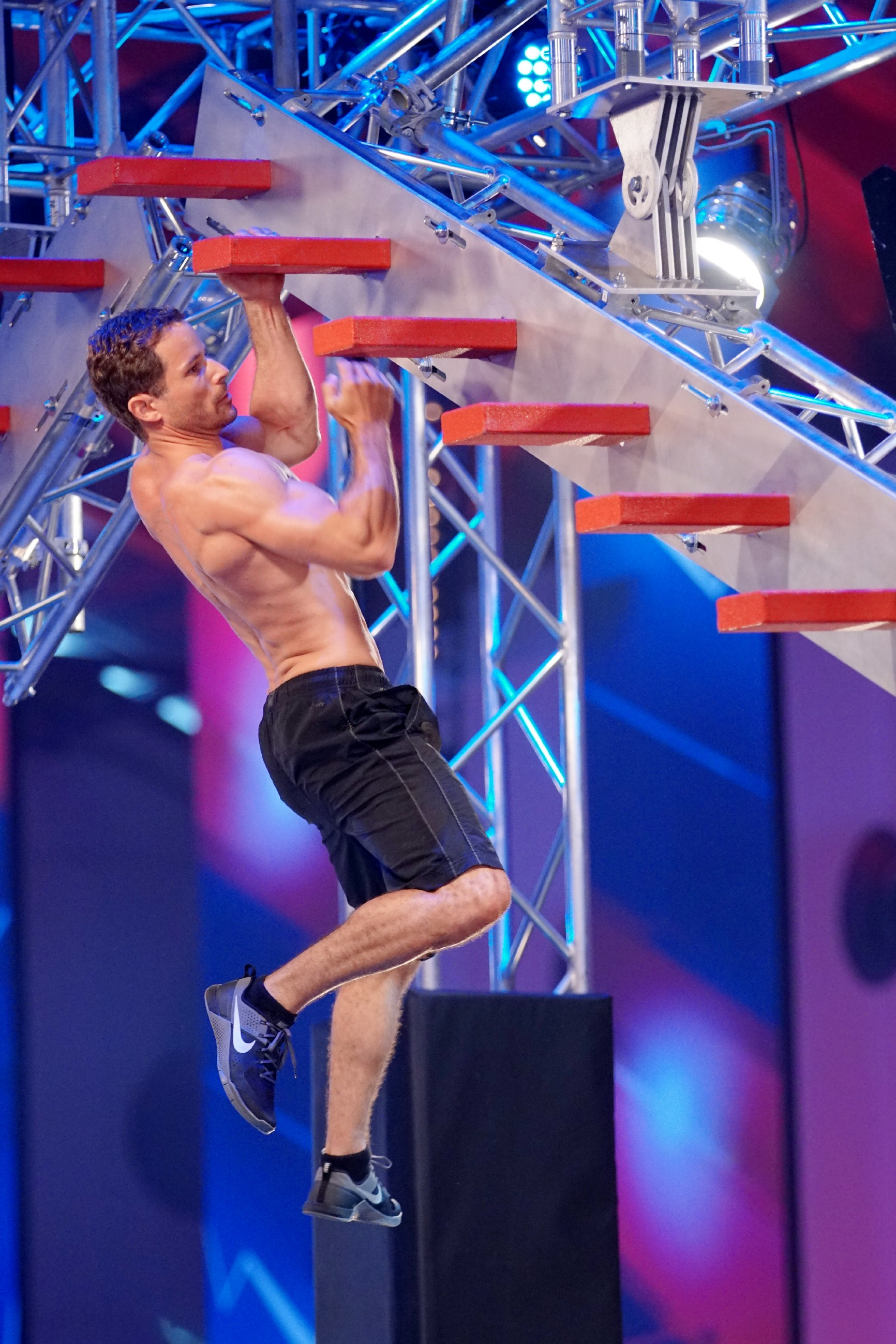 Oct 06,  · You know, he's the guy who took home the first ever American Ninja Warrior championship title and a snazzy million bucks in season seven. (Yes, we know Geoff Britten completed the final climb of the National Finals before Isaac did. And that it's an ongoing debate over who exactly is the first American Ninja Warrior..