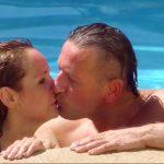 Das Sommerhaus der Stars 2017 Folge 2 - Ennesto Monte und Helena Fürst küssen sich