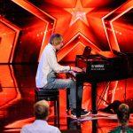 Das Supertalent 2017 Show 6 - Leon Buche