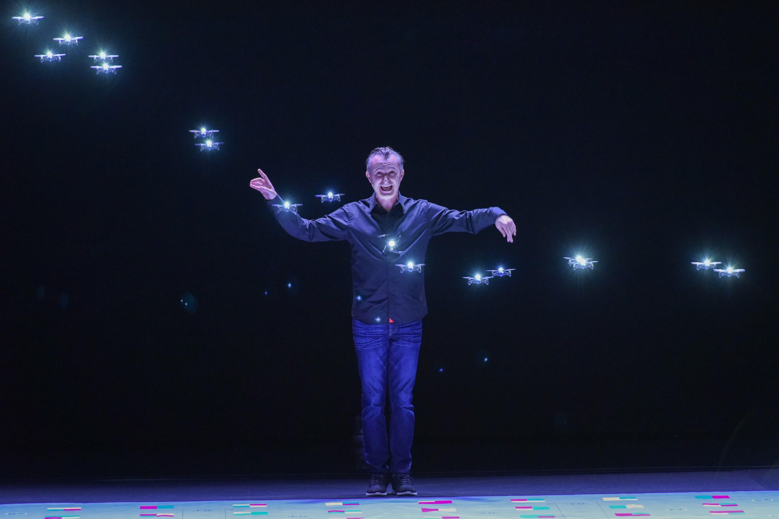Das Supertalent 2017 Show 8 - Marco Tempest