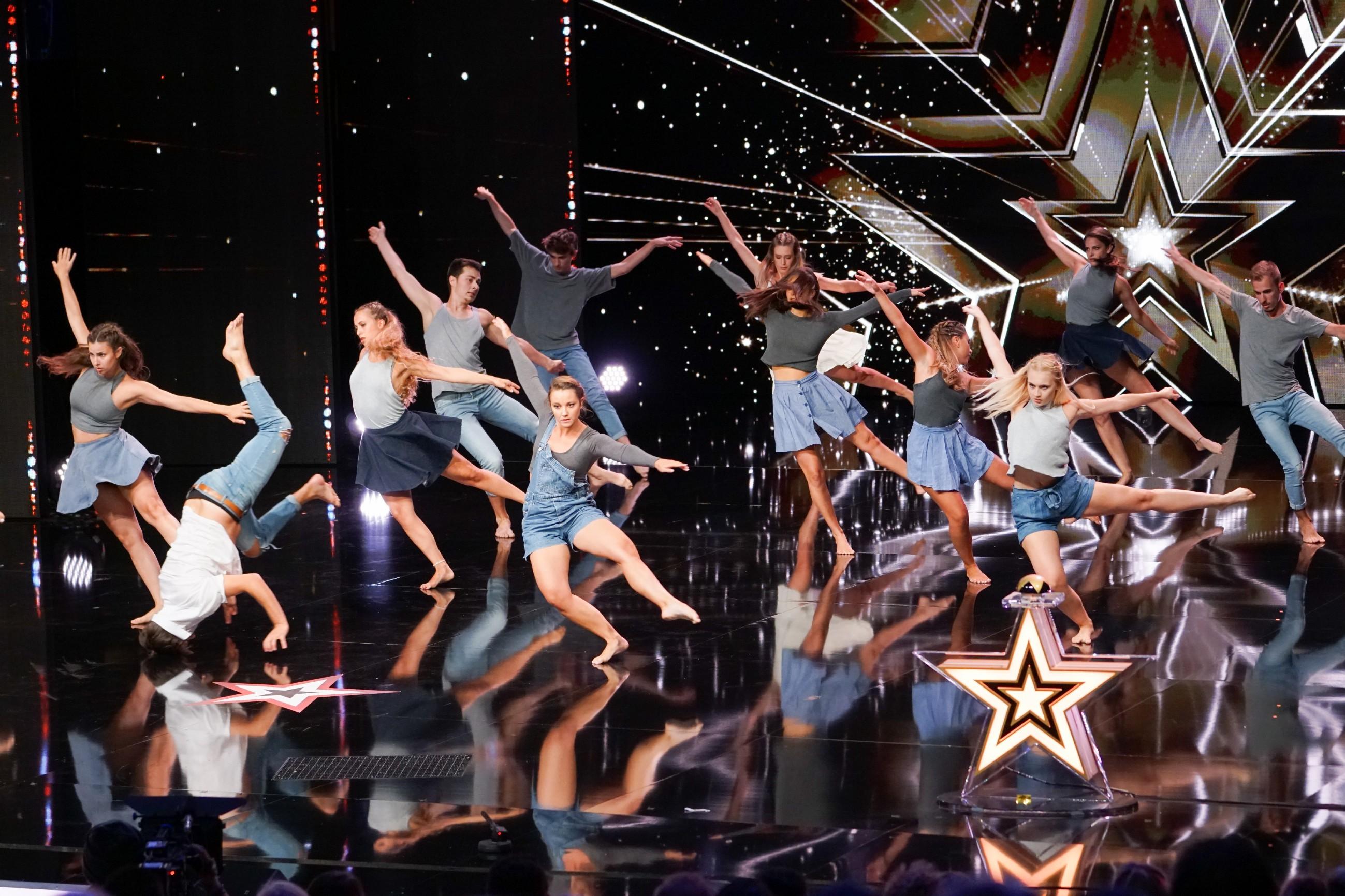 Das Supertalent 2017 Show 8 - MDC Company