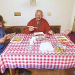 Bauer sucht Frau 2017 Folge 5 - Uwe und Iris mit Vater Joachim