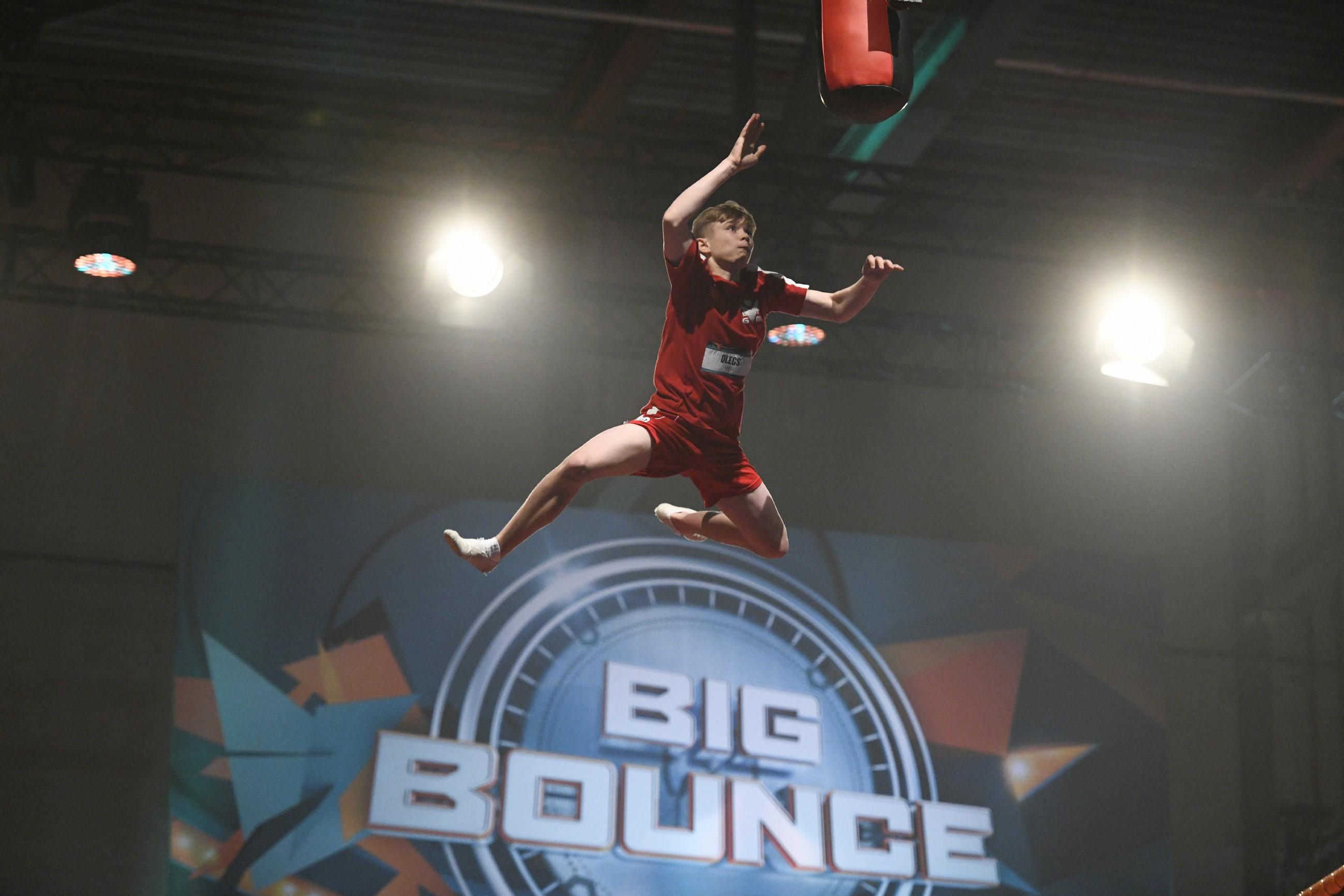 Big Bounce Finale - Olegs Snikers