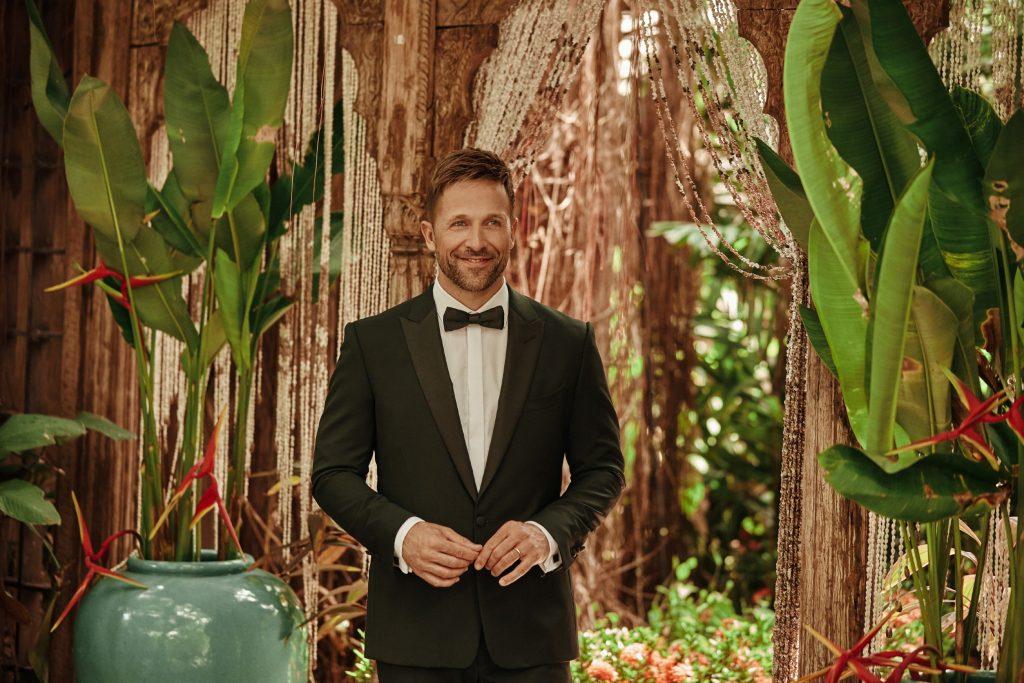 """Moderator Florian Ambrosius führt durch die Kuppelshow """"Bachelor in Paradise"""" bei RTL."""