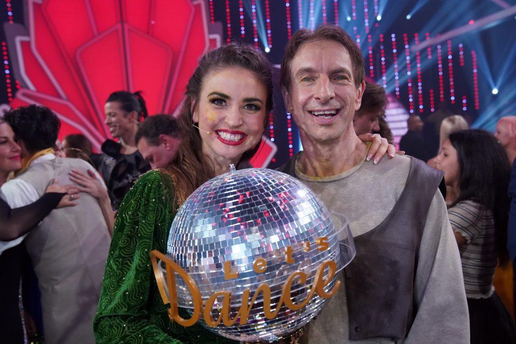 "Ingolf Lück ist ""Dancing Star 2018"". Links seine Tanzpartnerin Ekaterina Leonova"