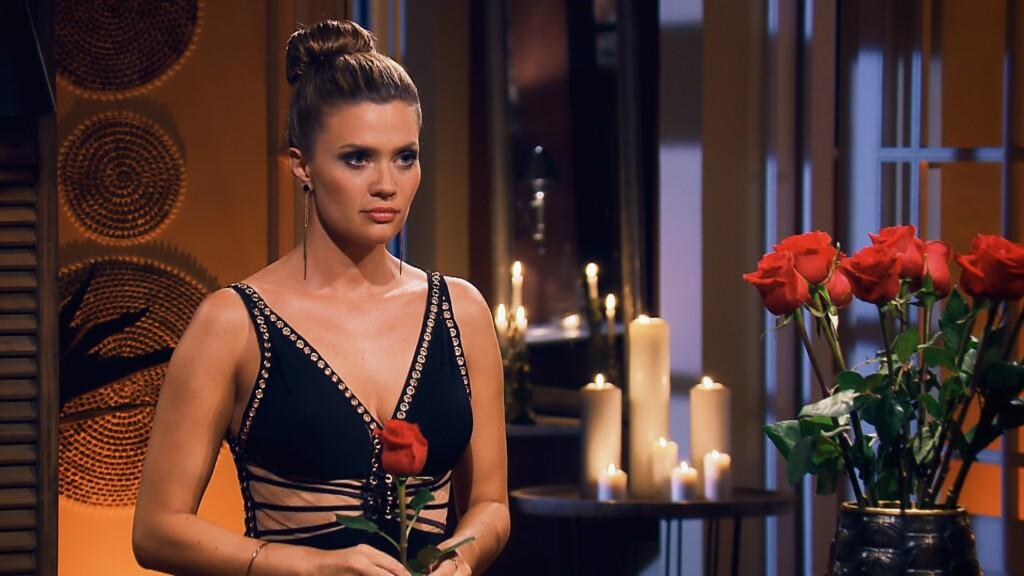 Nadine muss auch in der dritten Nacht der Rosen eine Entscheidung treffen.