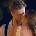 Krönender Abschluss des romantischen Dates ist ein Kuss zwischen Alex und Nadine.