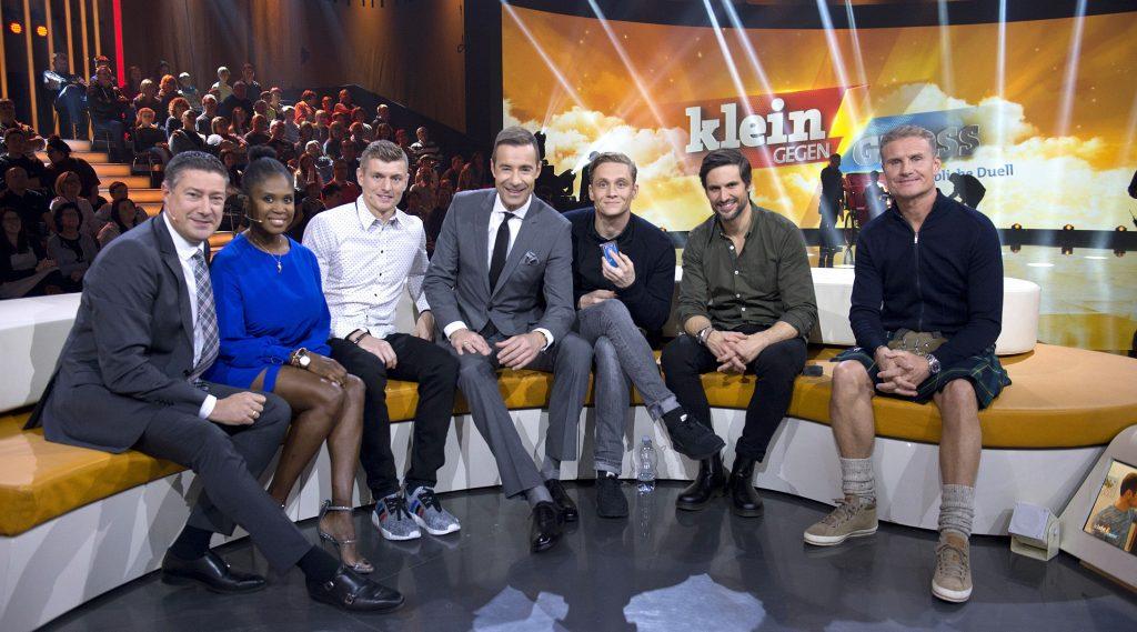 v.l.: Joachim Llambi, Motsi Mabuse, Toni Kroos, Kai Pflaume, Matthias Schweighöfer, Tom Beck, David Coulthard