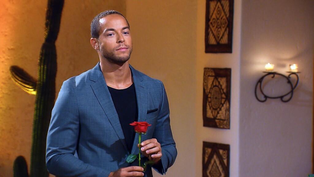 In der zweiten Nacht der Rosen ist es wieder soweit: Andrej muss sich entscheiden welche der Ladies er weiter kennenlernen will.