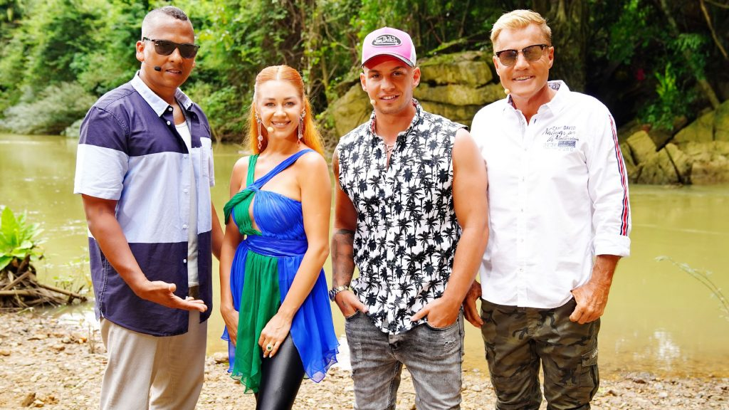 Die Jury (v.l.) Xavier Naidoo, Oana Nechiti, Pietro Lombardi und Dieter Bohlen am dritten Set des Auslands-Recalls in Thailand am Jungle River im Khao Sok Nationalpark.