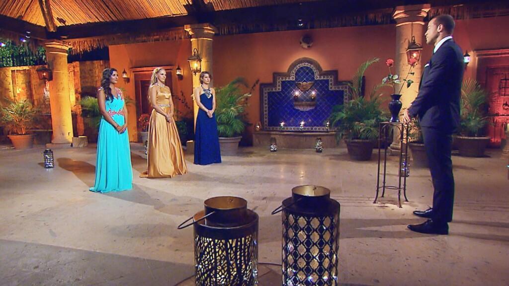 In der achten Nacht der Rosen muss sich Andrej von Eva, Vanessa oder Jennifer (v.l.) verabschieden.