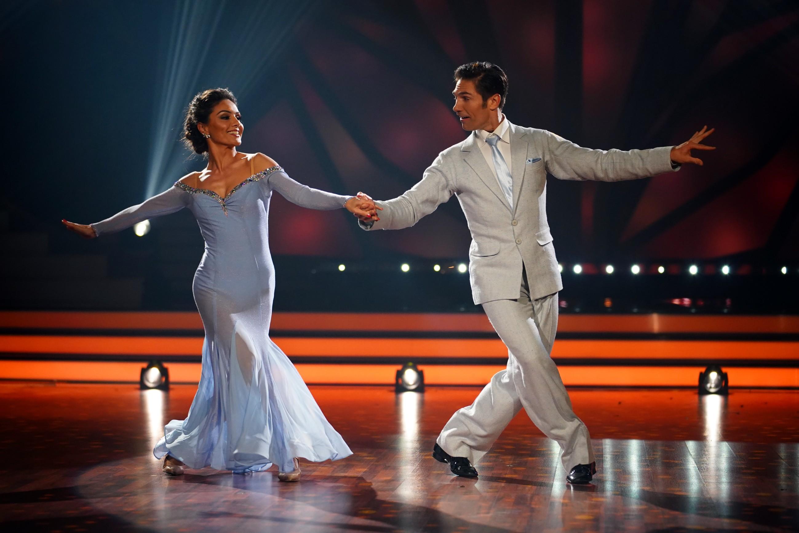 Nazan Eckes und Christian Polanc tanzen Slowfox