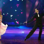 "Pascal ""Pommes"" Hens und Ekaterina Leonova tanzen Slowfox"