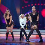 """Pascal """"Pommes"""" Hens und Ekaterina Leonova bei ihrem Trio Dance mit Marta Arndt"""
