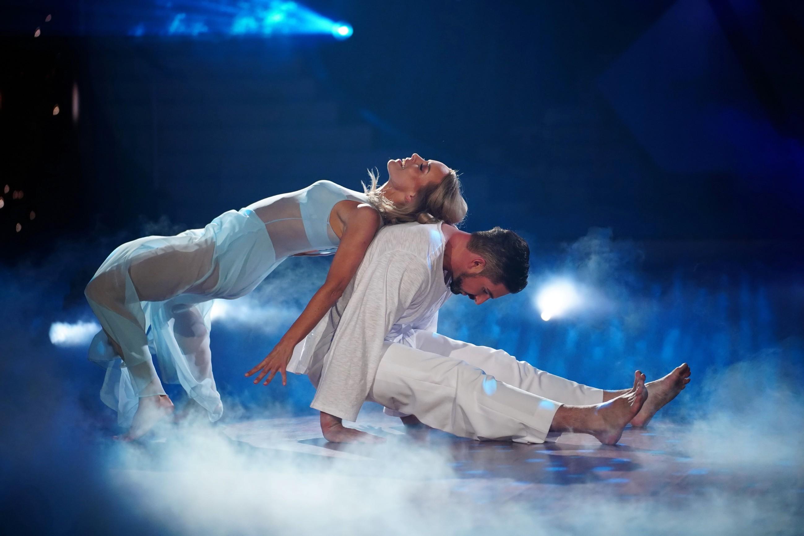 Benjamin Piwko und Isabel Edvardsson tanzen Contemporary