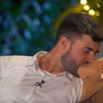 Gerda und Marco küssen sich