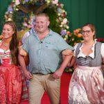 Bauer sucht Frau - Christian mit Christina und Vanessa