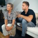 Der Bachelor 2020 Folge 1 - Sebastian mit seiner Mutter