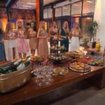 Der Bachelor 2020 Folge 1 - Sebastian begrüßt die 22 Ladies