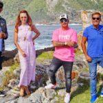 Die Jury (v.l.) Xavier Naidoo, Oana Nechiti, Pietro Lombardi und Dieter Bohlen am zweiten Set des Auslands-Recalls in Südafrika in der Bucht von Storms River Mouth im Tsitsikamma Nationalpark.