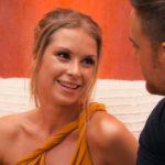 Der Bachelor 2020 Folge 2 - Jennifer R. flirtet mit Sebastian