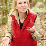 Dschungelcamp 2020 Tag 4 - Claudia Norberg bei der Schatzsuche