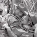 Dschungelcamp 2020 Tag 4 - Sven Ottke und Marco Cerullo bei der Nachtwache