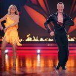 Let's Dance 2020 Show 4 - Ulrike von der Groeben und Valentin Lusin tanzen Salsa