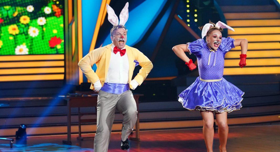 Martin Klempnow und Marta Arndt tanzen Jive.
