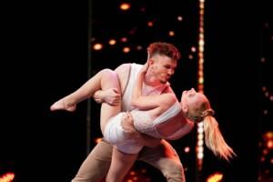 Das Supertalent 2020 Show 2 - Kira und Michi - Akrobaten / Breakdancer aus Schweinfurt