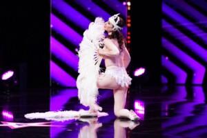 Das Supertalent 2020 - Mademoiselle Parfait de la Neige - Burlesque-Tänzerin aus Mülheim a.d. Ruhr