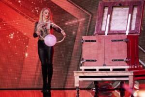 Das Supertalent 2020 Show 2 - Josephine Lee - Magierin aus Amerika