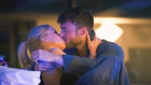 Der Bachelor 2021 Folge 3 - Niko und Denise küssen sich