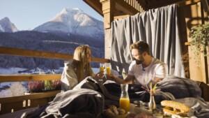 Der Bachelor 2021 Folge 5 - Mimi und Niko frühstücken in traumhafter Kulisse