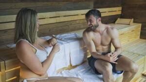 Der Bachelor 2021 Folge 5 - Niko und Hannah genießen die Zeit im Spa