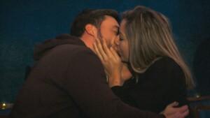 Der Bachelor 2021 Folge 7 - Hannah und Niko küssen sich