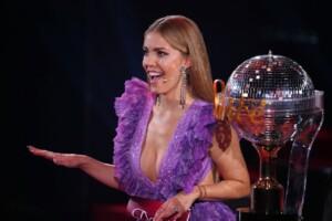 Let's Dance 2021 Show 1 - Moderatorin Victoria Swarovski